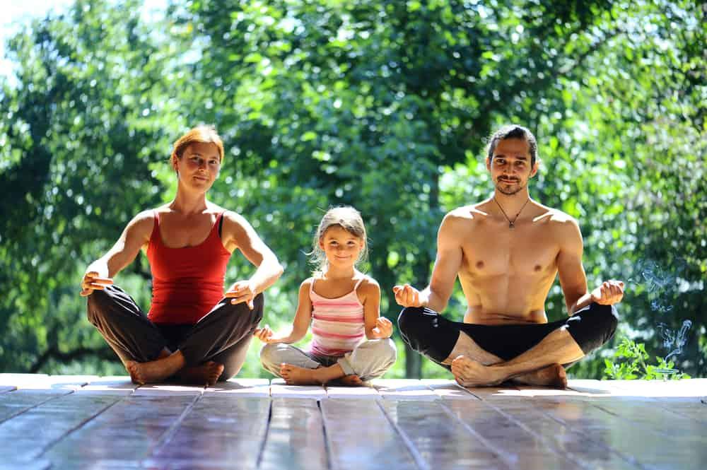 Yoga méditation en famille nutrition et micronutrition